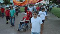 Los trabajadores del Molino Dolores salieron a reclamar en busca de una solución. Foto: Daniel Rojas