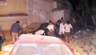 El temblor hizo caer estructuras y buscan a desaparecidos. Foto: EFE