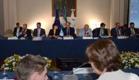 Reunión: los negociadores en una de las jornadas de trabajo. Foto: Prensa Cancillería