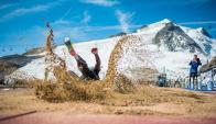 En esta pista Emiliano Lasa volvió a realizar un gran salto. Foto: @TignesOfficiel