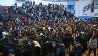Los trabajadores votaron a favor de la propuesta en asamblea. Foto: Ariel Colmegna