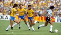 Maradona. Al ídolo argentino lo vestía la alemana Puma.