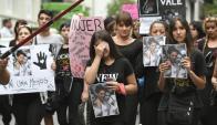 Dolor en la marcha por el crimen de Valeria Sosa. Foto: Fernando Ponzetto