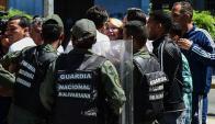 La oposición rechaza la decisión contra la fiscal y anuncia que seguirá la protesta. Foto: AFP