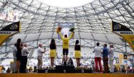 Chris Froome en el podio de la 20° etapa del Tour de France. Foto: Reuters
