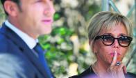 El presidente Macron y su señora Brigitte participan de una ceremonia oficial en París. Foto: AFP