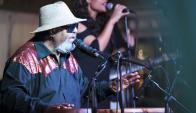 Ruben Rada animó la fiesta de Salus con sus canciones.