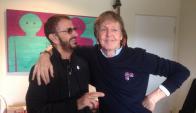 Ringo Starr y Paul McCartney, juntos. Foto: @ringostarrmusic