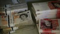 La libra registró su mayor valor frente al dólar en seis meses. Foto: Reuters