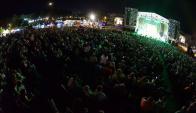 Miles de personas protegidas durante un festival de música en Durazno ante posibles descargas atmosféricas.