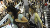 El consumo podría seguir debiltándose. Foto: Archivo El País