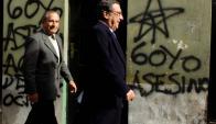 Álvarez sale del juzgado en 2006 tras declarar en caso sobre desparecidos. Foto: Archivo El País.
