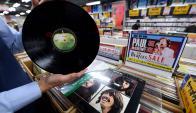 Alta fidelidad. La calidad del sonido que distingue al vinilo atrae a las nuevas generaciones. (Foto: AFP)