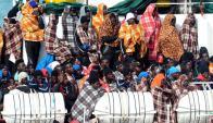 Drama. Los migrantes arriban en condiciones adversas. Foto: AFP.