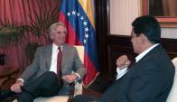 Maduro y Vázquez firmaron un acuerdo en 2015 para envío de alimentos uruguayos. Foto: AFP