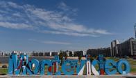 """IMM pintó el cartel de """"Montevideo"""" en honor al centenario de """"La Cumparsita"""". Foto: F. Flores"""