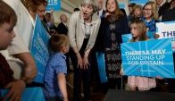 Campaña: Theresa May en uno de sus actos, en la zona de West Yorkshire. Foto: Reuters