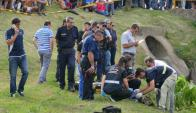 El cuerpo fue encontrado en la cañada de Bulevar Artigas. Foto: R. Figuered