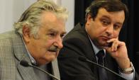 Mujica y el exdirector de la OPP, Gabriel Frugoni. Foto: Gerardo Carella / Presidencia