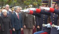 Azucena Berruti y el presidente Vázquez en un acto militar durante primer gobierno del FA. Foto: Archivo