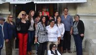 Susana Carbajal y María Laura Sánchez a la salida del juzgado de Trinidad. Foto: Semanario Pueblo
