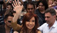 Cristina Fernández a la salida de los tribunales de Comoro Py. Foto: AFP.