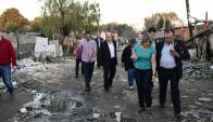 Martínez camina junto a un consejal. La alcaldesa Nedov charla con el secretario Nopitsch. Foto: M. Bonjour