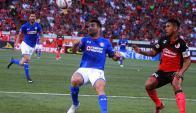Martín Cauteruccio en el debut de Cruz Azul en el Apertura. Foto: EFE