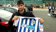 Gabriel Leyes con la camiseta de Alianza Lima.