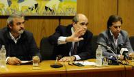 Líderes blancos Larrañaga y Lacalle Pou apoyaron balance hecho por Pablo Abdala. Foto: D. Borrelli