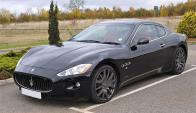Autos de lujo con un Maserati pueden observarse en Punta del Este. Foto: Wikimedia