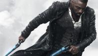 Idris Elba interpreta a El Pistolero y junto a él viaja Jake, un niño con poderes. Foto: Difusión