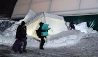 Afectados: cientos de personas debieron ir a refugios provisorios. Foto: AFP