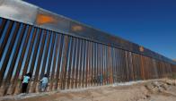 Vallas en la frontera entre Ciudad Juárez (México) y El Paso (Estados Unidos). Foto: Reuters.
