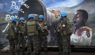 Cascos azules: los soldados siguen buscando seis rehenes. Foto: AFP