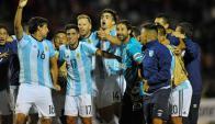 Atlético Tucumán celebra la clasificación. Foto: AFP