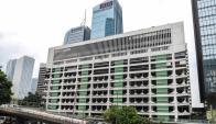 Transformación. El edificio que hoy funciona como estacionamiento público se convertirá en un edificio comercial de 43.000 m2. (Foto: AFP)