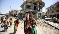 La ONU estima entre 40.000 y 60.000 los civiles que siguen en la zona. Foto: AFP