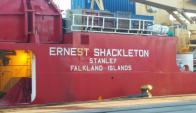El buque de Malvinas que es´ta atracado en el puerto capitalino. Foto: @alargie