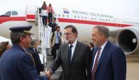 El presidente de España, Mariano Rajoy, llegó a Uruguay en visita oficial. Foto: Twitter @marianorajoy