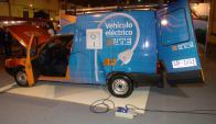 Autos eléctricos. La nueva tendencia aún no llegó con fuerza pero se espera que a futuro sea común. (Foto: Francisco Flores)