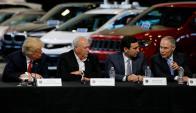 Trump con líderes de la industria automotriz de EEUU. Foto: Reuters