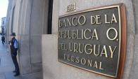 Llamado: El Banco República busca contratar 120 auxiliares. Foto: Fernando Ponzetto