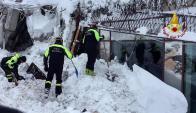 Operación de rescate en el hotel Rigopiano. Foto: EFE / Bomberos de Italia
