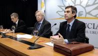 Ministro Danilo Astori en conferencia de prensa por inclusión financiera. Foto: Fernando Ponzetto