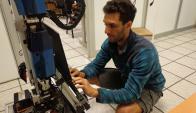 Andrade trabaja unas 10 horas por día en el proyecto. Foto: F. Andrade
