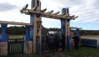 """Puerta de ingreso al campo """"El Entrevero"""". Foto: Ricardo Figueredo"""