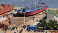 La Armada demoró casi dos años entregar las barcazas. Foto: R. Figueredo