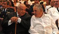 El fallecido Eleuterio Fernández Huidobro y el expresidente José Mujica. Foto: Presidencia.
