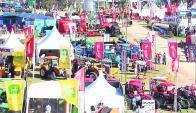 Más de 200 empresas exhibieron más de un millar de marcas. Foto: Captura ARUTV